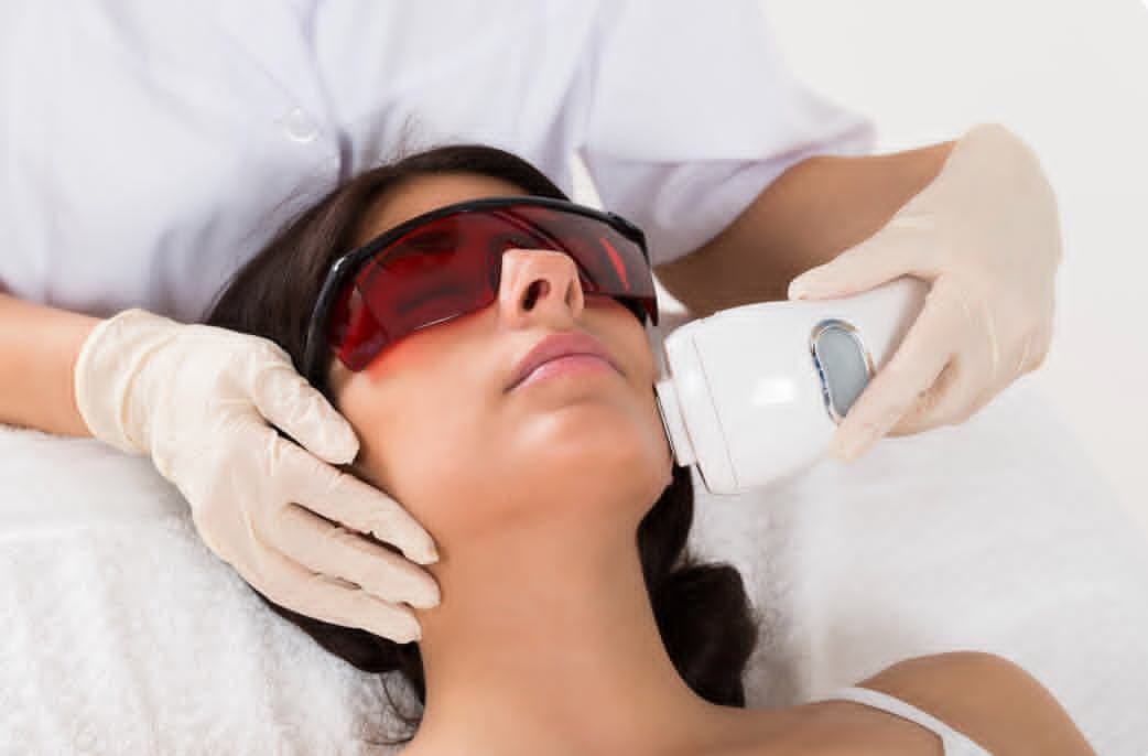 Cualificación profesional en Láser y luz para rejuvenecimiento de la piel